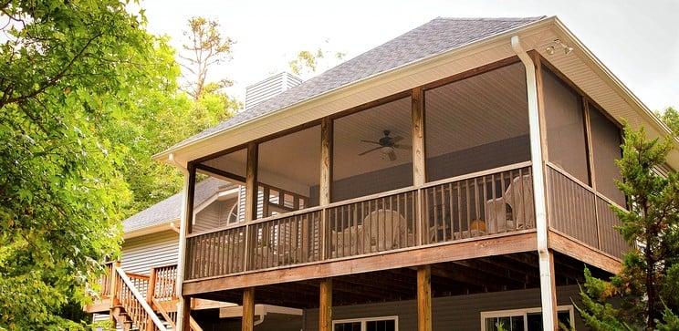 Maison en bois d'un étage dans le nord de la réunion