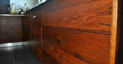 L'esprit du bois – Cuisine en Bois à L'Étang-Salé
