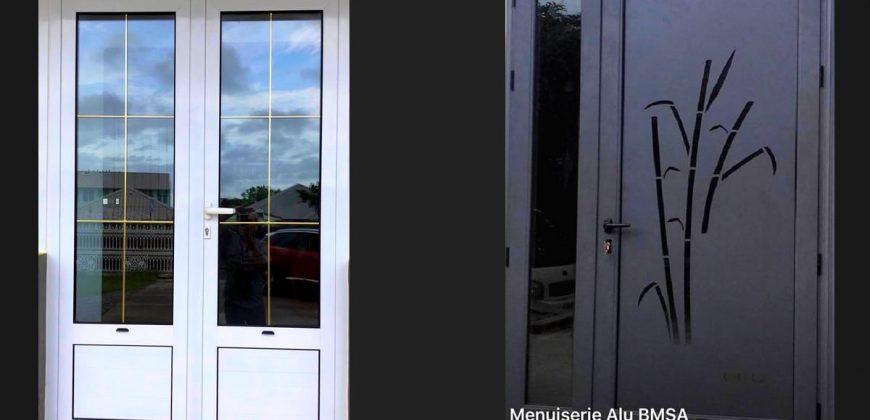 Menuiserie Alu BMSA – Fabrication porte à Saint-Louis