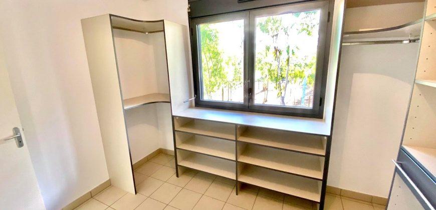 HOME TENDANCE – Aménagement intérieur dressing à Saint-Paul